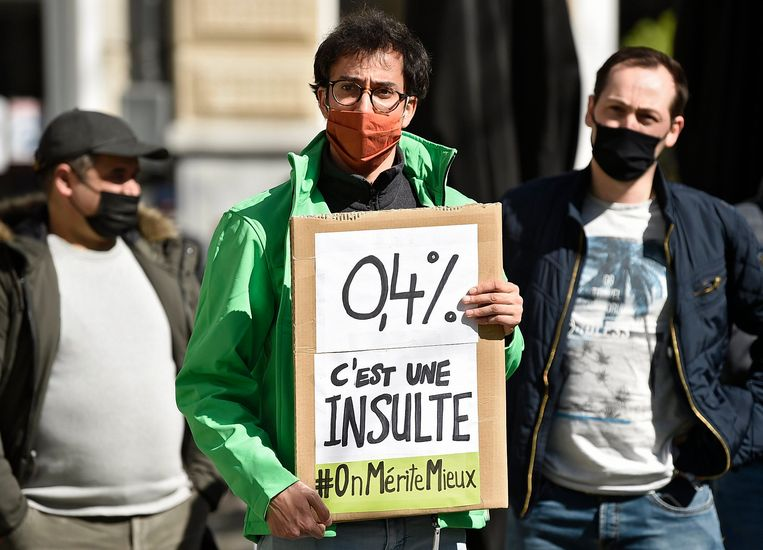 Betoging voor betere loonvoorwaarden in Brussel, eind maart.  Beeld Photo News