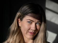 Voetbalprof Nurija (21) uit Vaassen start inzamelingsactie om haar Russische moeder in betere kliniek te krijgen