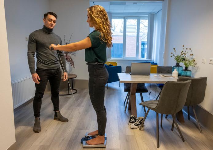 Victor de Vries wil met zijn bedrijf 'Fit4life coaching' mensen helpen hun gezondheidsdoelen te behalen.