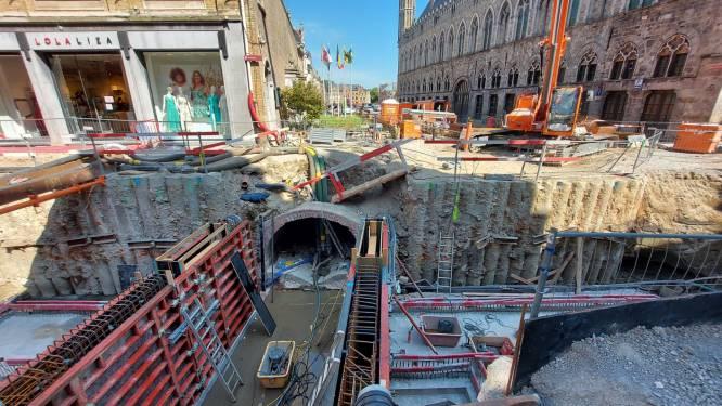 """Bouwwerf in centrum Ieper verdwijnt nog even niet: """"Meer last van corona dan van de werken"""""""
