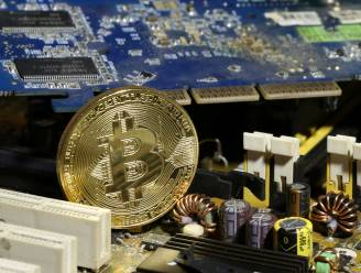 """Bitcoin gaat helemaal door het dak: """"Eens zal de zeepbel spatten"""""""