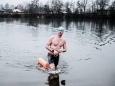 Het hoofd van ijszwemmer Albert wilde nog wel, maar zijn lichaam niet: 'Onderkoeling sloeg keihard toe'