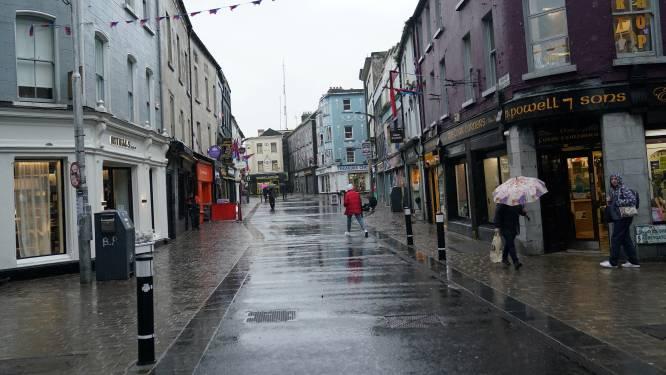 """Ierland weer in lockdown nadat ziekenhuizen vol raken: """"Vanop een eiland kun je geen patiënten verplaatsen"""""""