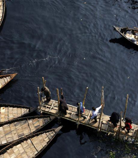 Plus de vingt disparus dans un naufrage au Bangladesh