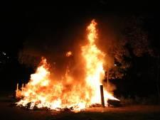 Metershoge vlammen bij brand in Moerwijk