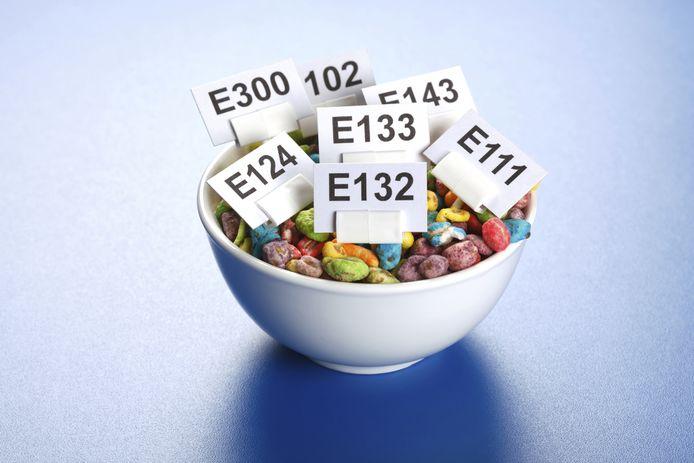 Ingrediënten en additieven met lange chemische namen en de E-nummers (de code van de Europese Unie voor additieven) maken ons wantrouwig.
