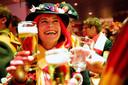 Bier op carnavalsdinsdag bij het Vochtig Ontbijt van de Heineken Brouwerij.