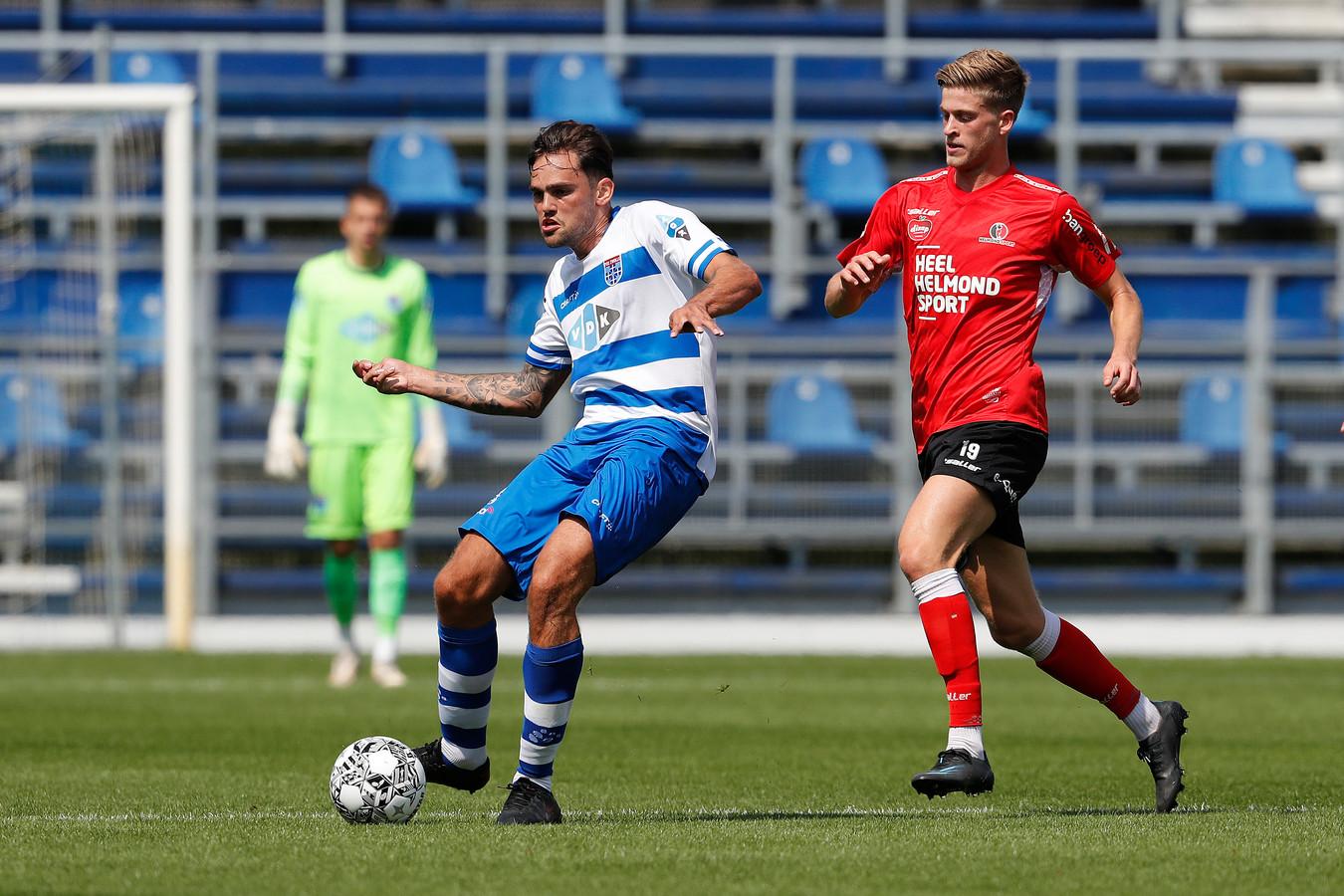 Ook Jelle Goselink kon niet scoren voor Helmond Sport tegen PEC Zwolle: 3-0.