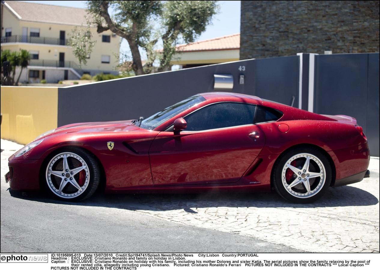 Een van de Ferrari's van Cristiano Ronaldo