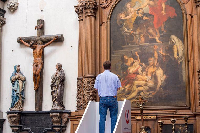 Een altaarstuk van Rubens in de Sint-Martinuskerk van Aalst. Beeld Photo News
