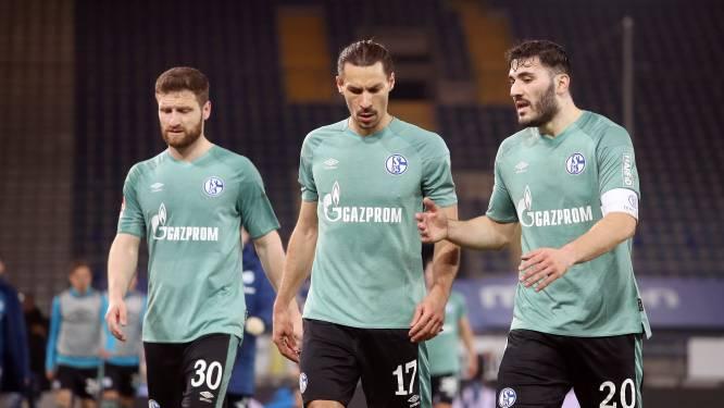 Schalke 04 degradeert na 30 jaar uit Bundesliga, Bayern zet reuzenstap richting titel