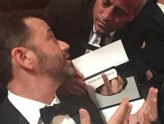 Jimmy Kimmel lacht met Matt LeBlanc op podium Emmy's en 'Joey' reageert nijdig