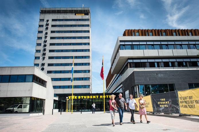 Amsterdam, 5 augustus 2015 - The Student Hotel aan de Wibautstraat. Foto: Mats van Soolingen