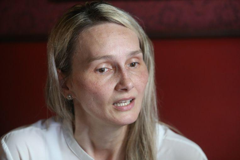 Henrieta Chovancov, de weduwe van Jozef Chovanec die twee jaar geleden stierf na zijn arrestatie op de luchthaven van Charleroi.  Beeld Photo News