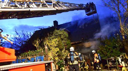 """Brandweer dreigt met staking. """"Eén man te weinig: kwartier wachten om te vertrekken naar dodelijke brand"""""""