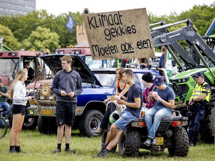Boeren tijdens een demonstratie tegen het stikstofbeleid van het kabinet, afgelopen juli op het Malieveld in Den Haag.