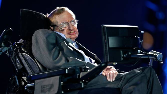 """Stephen Hawking wil voet aan de grond op andere planeten """"in het belang van de mensheid"""""""