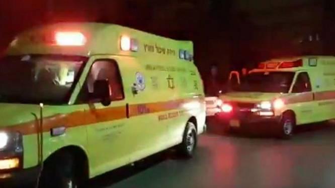 Jongeman (19) doodgestoken bij bushalte aan winkelcentrum in Israël, politie gaat uit van terreurdaad