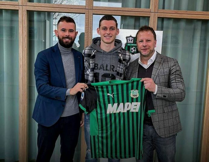 Seb Loeffen (midden) is vanaf komend seizoen speler van Sassuolo.