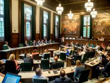 Rotterdamse politiek staat tegen haar zin buitenspel in coronacrisis