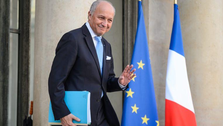 Laurent Fabius verlaat de ministerraad. Beeld EPA