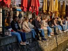 Rotterdam zit massaal met een drankje in de zon, maar de terrassen blijven leeg: 'Heel frustrerend'