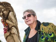 Zwarte Cross-boegbeeld Tante Rikie kondigt pensioen aan