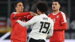 VIDEO. Jong en vernieuwd Duitsland kan in eigen huis niet winnen tegen Servië