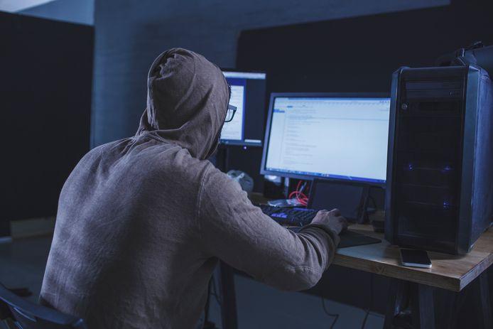 Het datalek is waarschijnlijk eind juli ontstaan door een phishingmail aan een medewerker van Blue Sky Group. Daardoor hebben kwaadwillenden toegang gekregen tot een mailbox van de pensioenuitvoerder.