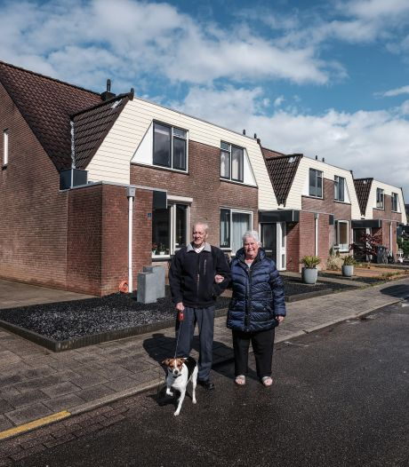 Door droogte scheuren de huizen in Tolkamer, Truus en Bennie moeten er gedwongen uit: 'Dit is een groot maatschappelijk probleem'