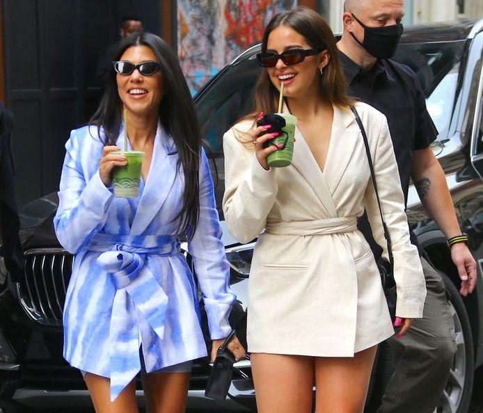 Kourtney Kardashian en Addison Rae.