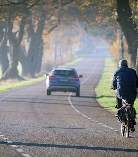 Plastic fietspad wellicht alternatief voor vrijliggende paden in gemeente Twenterand: 'Als je iets doet, moet je het goed doen'