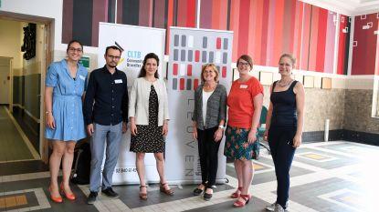 Boegbeeld Community Land Trust-beweging Brenda Torpy op bezoek in Leuven