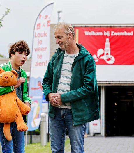 Gehandicapte Sep (13) en mensen zoals hij mogen per direct Utrechtse zwembaden in met 'jonge' begeleider
