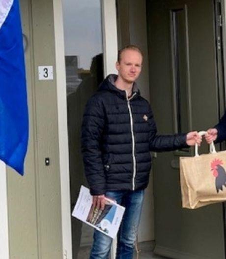 Laatste woning nieuwbouwproject Hoevelaar opgeleverd: 'Mooie uitbreiding van ons dorp'