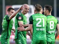 De Graafschap na zege op gehavend Jong PSV dicht bij promotie
