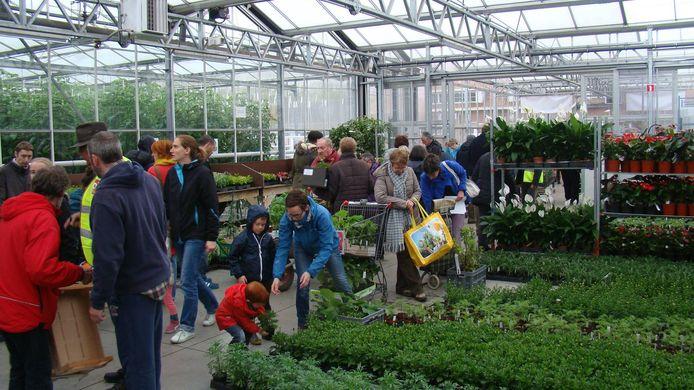 Lenteverkoop in Tuinbouwschool Melle.
