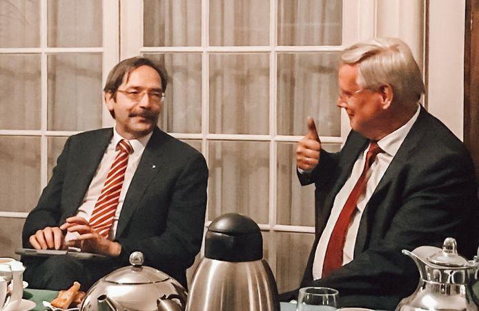 Theo Bovens (links) met Commissaris van de Koning Andries Heidema.