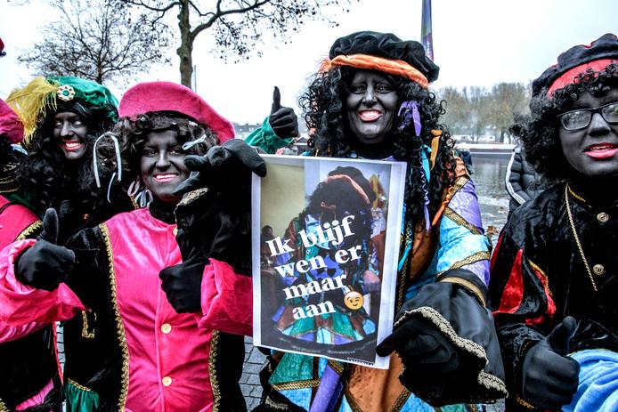 Een eerder protest vóór Zwarte Piet, tijdens de intocht in Tilburg.