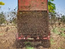 Probleemboer in Willemsoord afgestraft voor laten dumpen van enorme hoop mest op zijn land