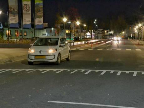 Peuter aangereden op zebrapad in Steenbergen, onder politiebegeleiding naar het ziekenhuis