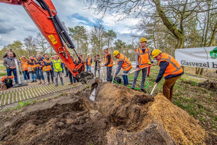 Glasvezel Buitenaf begon in 2019 met de aanleg van een netwerk in de buitengebieden van Bergen op Zoom, Woensdrecht, Steenbergen en Halderberge.