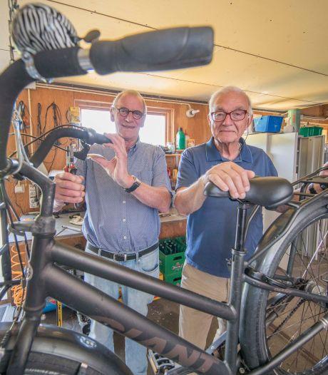 Drukke tijden voor Stichting Leergeld: tientallen extra laptops verstrekt