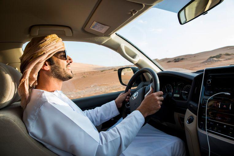Onze woestijngids en chauffeur Mohammed Hamail Al Hajri. Beeld null