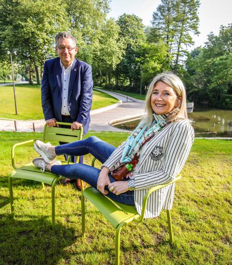 """300 losse stoelen voor Brugse parken: """"We gaan ervan uit dat ze niet gestolen worden"""""""