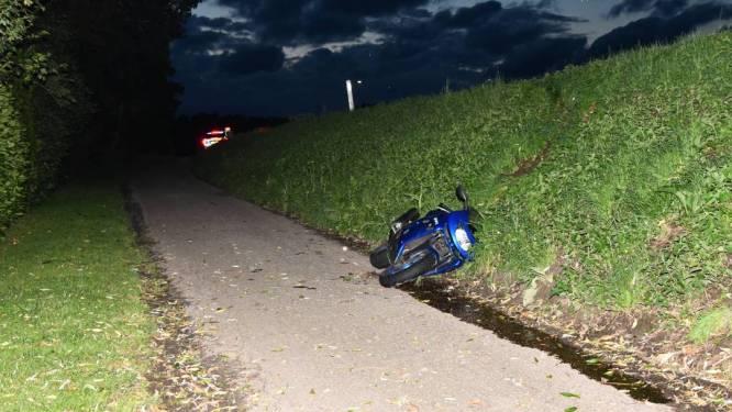 Motorrijder gewond na ongeluk bij Oud-Vossemeer