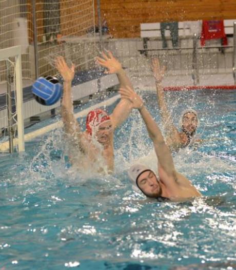 Waterpoloteams DZK baas in eigen bad, De Schelde in slotfase gelijk