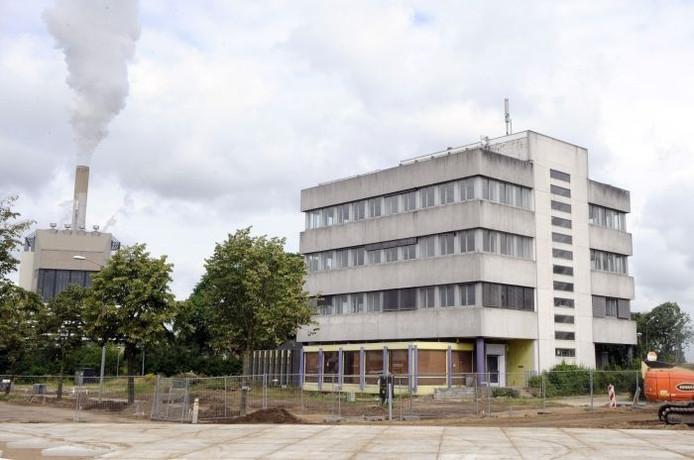 Het voormalige EPON-gebouw aan de Weurtseweg, waar jeugdhotel Nymma komt