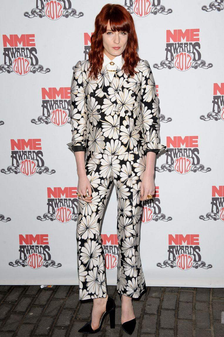 Florence Welch gaat frivool met een bloemenprint. Beeld UNKNOWN