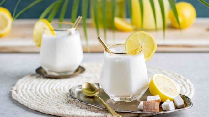 Koel drankje voor warme middag dat je zó klaar maakt: whipped lemonade